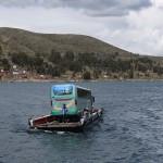 プーノからラパスへバスで移動。チチカカ湖をボートに乗って渡るバスがシュール!